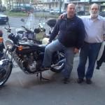 Emilio Re e Luciano Trigale, amici di Tiny Cars, con una splendida Kawasaki Z1000