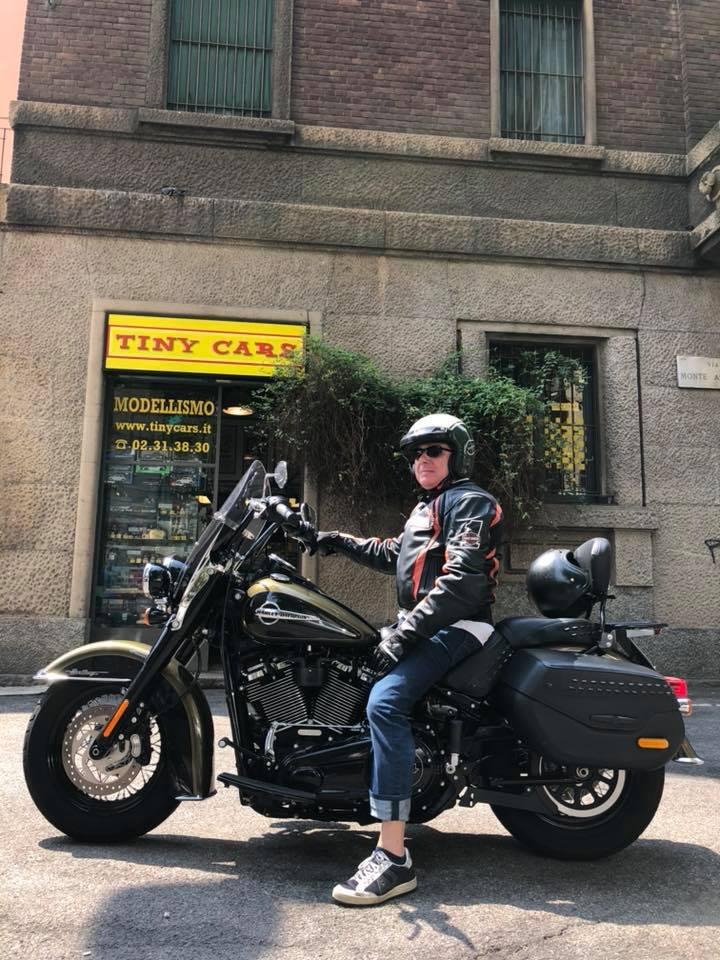 Il bravo giornalista Luca Di Grazia ci porta a vedere una Harley Davidson Heritage in prova! Presto su www.americanautoitalia.blogspot.com