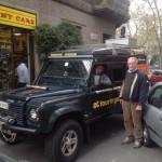 La Defender di Andrea, tappa da Tiny Cars prima di partire, destinazione Cape Town