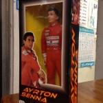 Un incredibile vecchio figurino di Ayrton Senna!