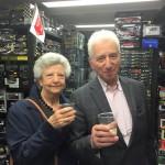 Gaetano e Ivana, festeggiano il primo maggio da Tiny Cars