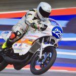 Claudio Giannone con la Tiny Yamaha RD 350 alla curva del Rio a Misano