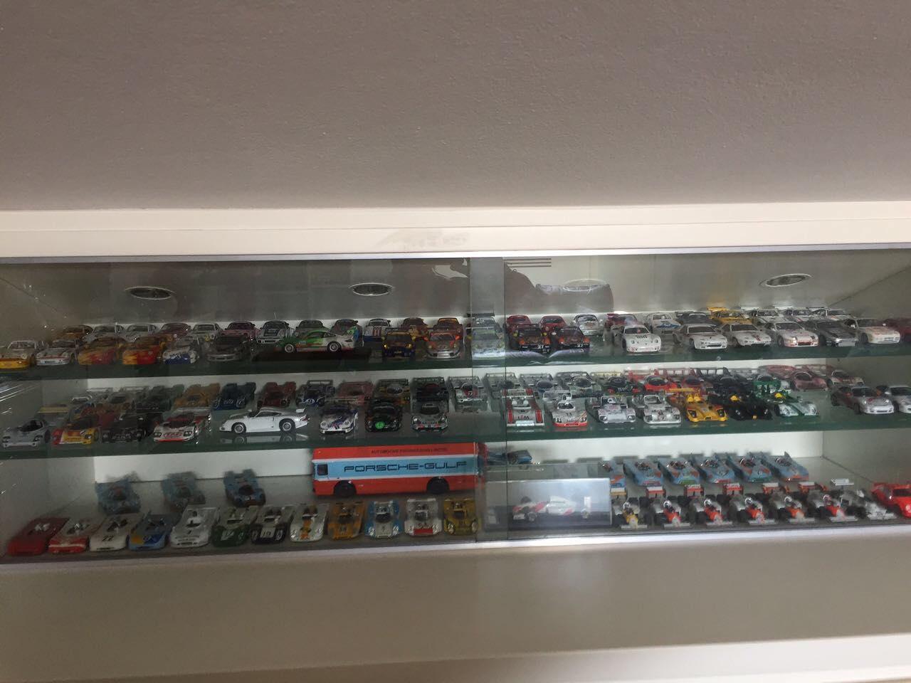 La fantastica mega collezione di Porsche di Luigi!