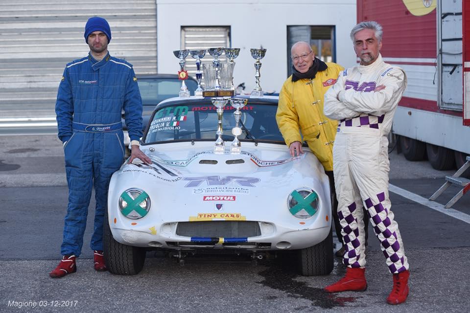 Trio composto dall'esperto Renato Benusiglio, Gilles Giovanni e Vito Truglia, su TINY TVR Griffith 400 (Classe GTS Oltre 2000)