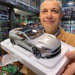Aston Martin Vanquish S Auto Art scala 1:18
