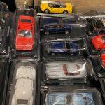 Una scatola di modelli da edicola appena arrivati